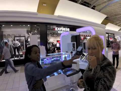 AmiBeth Eats Dead Sea Sample Products from Mall Kiosk