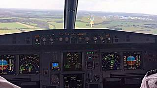 Video Airbus A319 Cockpit View of Extreme Windy Landing download MP3, 3GP, MP4, WEBM, AVI, FLV Januari 2018