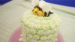 Violet Bakes Daisy And Bee Cake  - Catch Up - Violets Vlogs