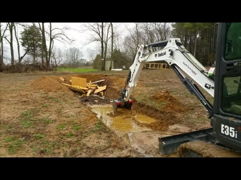 Bobcat E35i Mini Excavator My First dig ever! It's Ugly but