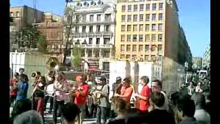 Street Music in Toulouse (France) for occitan demonstration vid1