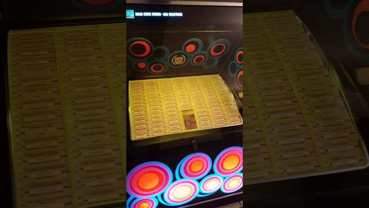 Jukebox AMI R82 Black Magic 1978