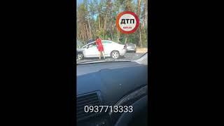 """#ДТП и пробка  под Киевом: """"Сейчас варшавськая трасса возле мостище""""  Три авто, двое пострадавших. С"""