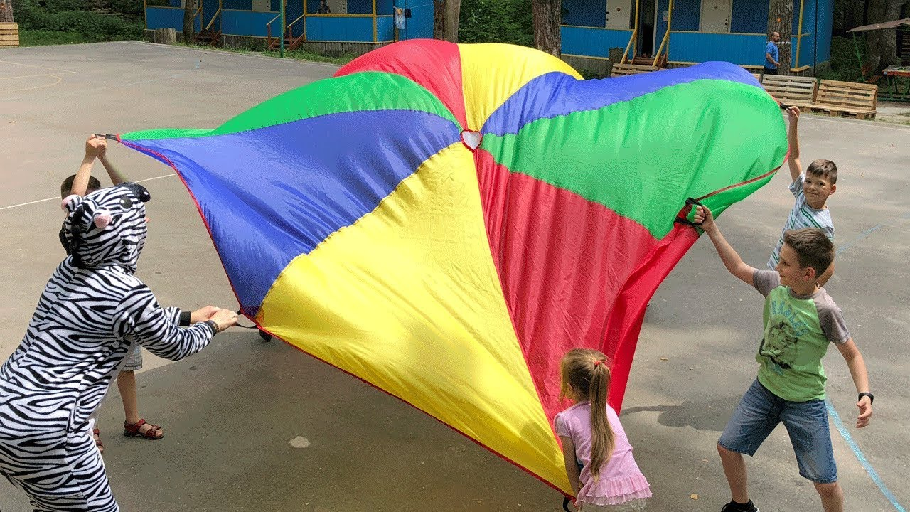 Kids Play With Big Color Parachute Game For Kids By Joyjoy