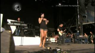 Lily Allen Barefoot Performance - Just The Feet HD