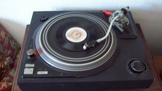 David Soul  -  Don't Give Up On Us No.1  18th December 1976 UK