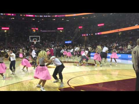 Chubby Checker performs The Twist at the Cleveland Cavaliers game 1/6/15