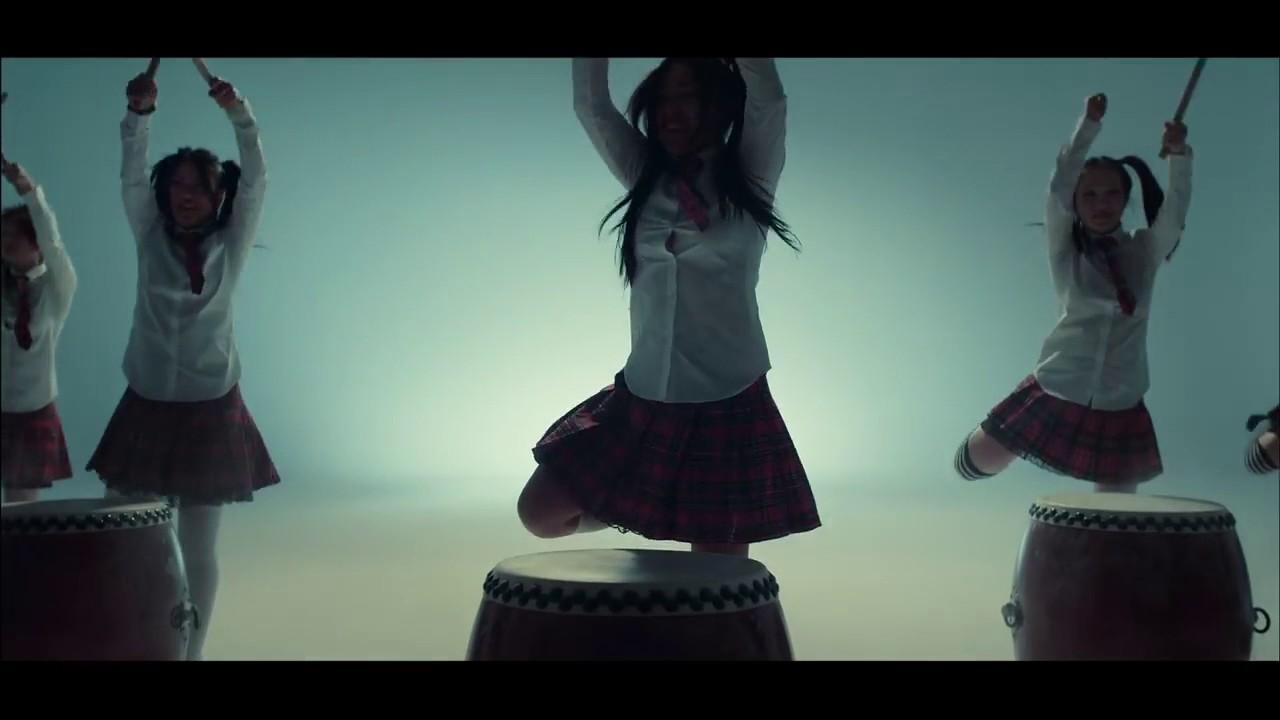 Видеоклип бьянка ногами руками, голые известные русские женщины