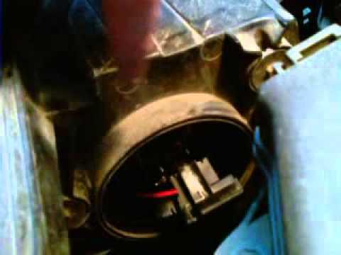 как поменять переднюю габаритную лампочку на киа рио