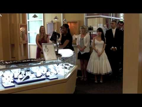 Robbins Brothers & Mon Amie Host Blingin' Bridal Event in Orange County