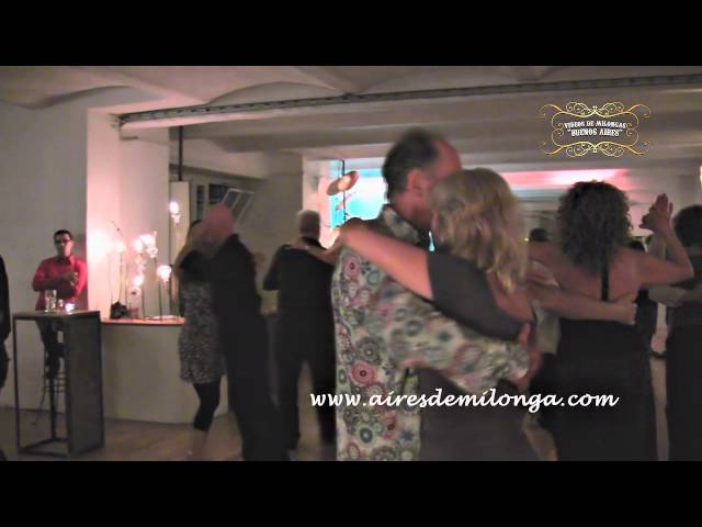 Berlin, milongueando en milonga Bebop Tangobar, tango en Alemania