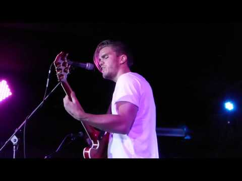 "According2g.com presents ""I Walk On Water"" live by Kaleo at Mercury Lounge, NYC"