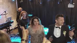 Gambar cover Danuta i Zenon Martyniuk Akcent zaśpiewali wspólnie na weselu syna (Disco-Polo.info)