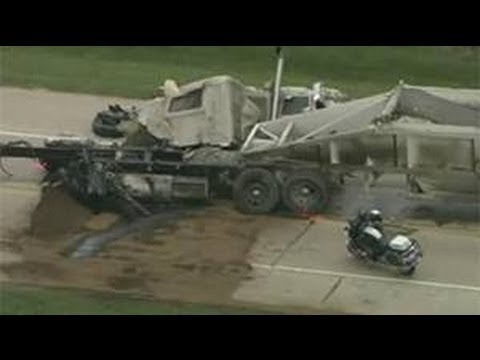 Motorway turned to hell! ▶ Fatal Semi Truck Crash In Grand Prairie, Texas
