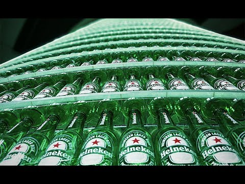 They stacked over 4500 Heineken beer bottles - most satisfying video