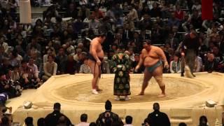 """Torneo de Sumo en Osaka 2016 - Combate """"Matayuki"""""""