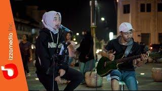 Download lagu Dhyo Haw Ada Aku Disini Live Cover KM 0 Jogja by Ziee feat Tofan MP3
