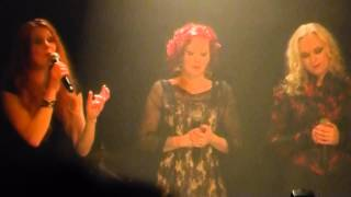 Acapella Christmas songs - The Sirens - Divan du Monde - 20/12/2014