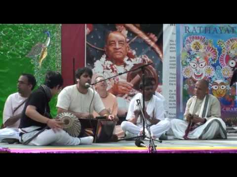Rathayatra - Bhajan - Amala Kirtan das