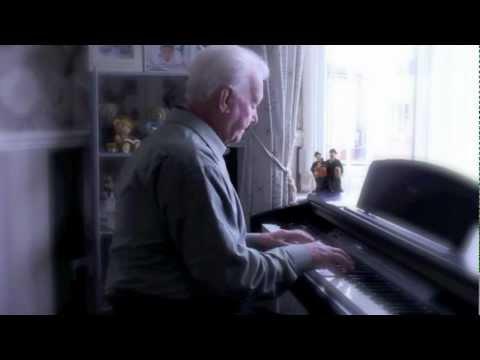 Harry Shepherd Playing A 40s Piano Medley
