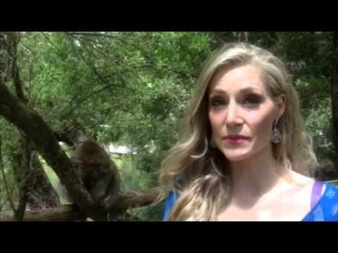 China Greeting- Mrs Australia Globe 2014