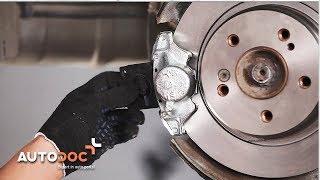 Kuinka vaihtaa taka jarrulevyt ja taka jarrupalat MERCEDES-BENZ E W210 -merkkiseen autoon AUTODOC