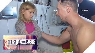 Malu versteckt sich in Dusche: Sie hat Angst vor Papa   112 - Rettung in letzter Minute   SAT.1 TV