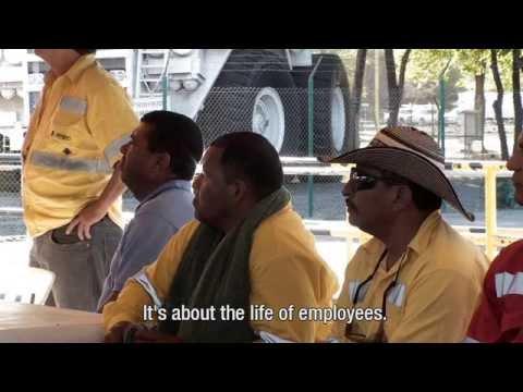 Working class heroes (English)