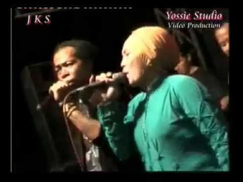 Isyarat Cinta Sodiq Feat Sonia