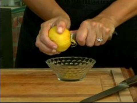 How to Cut Fruit : How to Cut Lemons