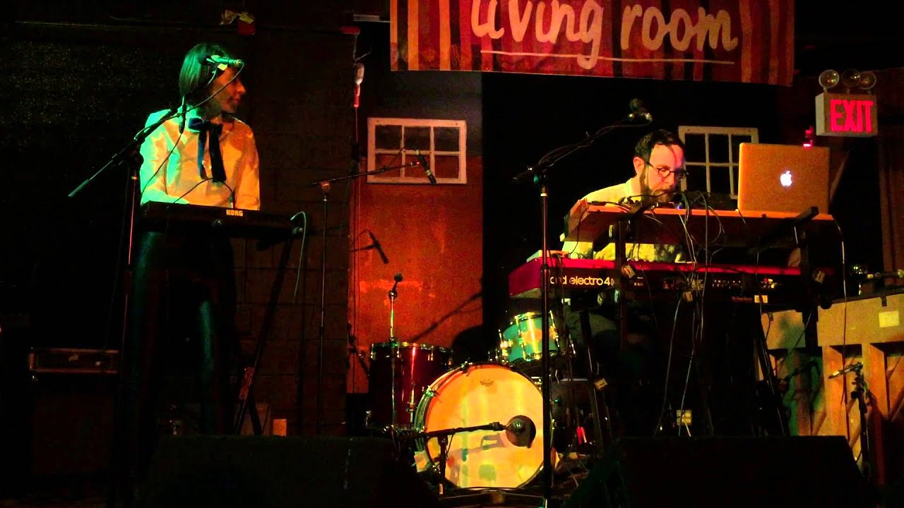 The hipstones duo perform wise man at the living room for Living room west 6 brooklyn