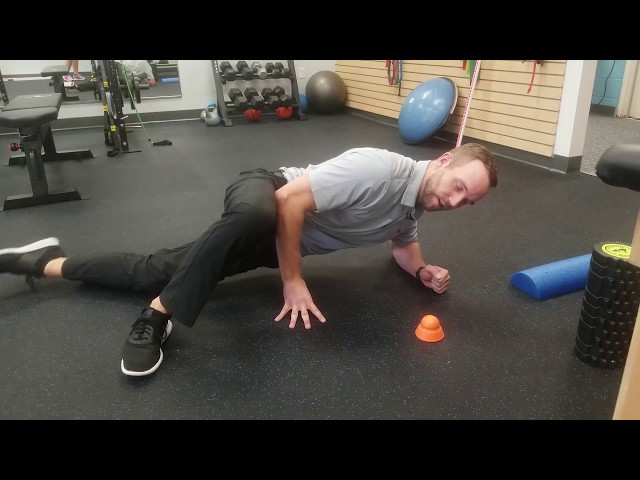 How to Properly Roll Out the IT Band | Chesterfield Chiropractor