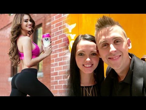 Thumbnail: Roman Atwood Having a BABY! YouTuber's Girlfriend NIP SLIP, YouTuber Jokes About R*PE?