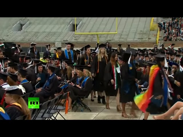 Pence speech at Notre Dame University marred by student walk-out