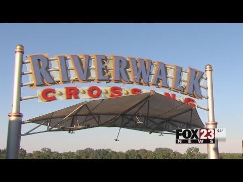 VIDEO: Business booming at Jenks Riverwalk