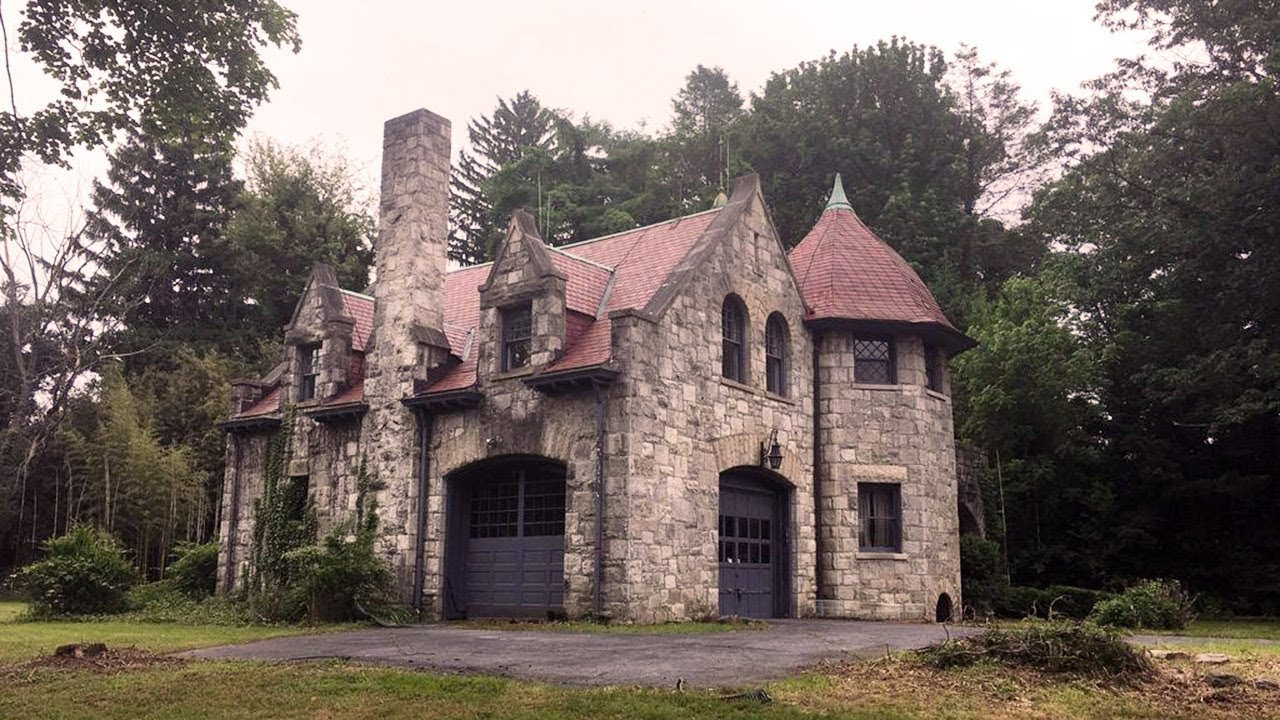 A Gorgeous Old Carriage House for Sale in Lancaster, PA