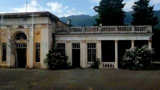 Абхазия — 8 лет без войны(Как живется в Абхазии, признанной независимой лишь Россией и еще лишь несколькими далекими странами. Как..., 2016-11-14T13:29:20.000Z)