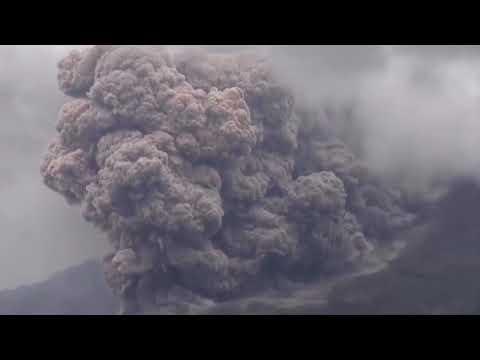 Mount Sinabung eruption 'completely annihilates' peak of Indonesian mountain