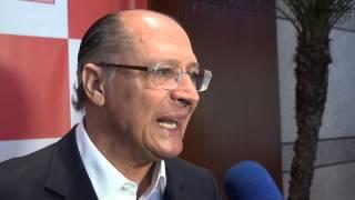 Alckmin destaca importância social e econômica da área da saúde