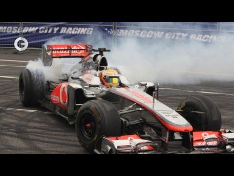 Формула-1 - Звёзды F1 промчались по Москве