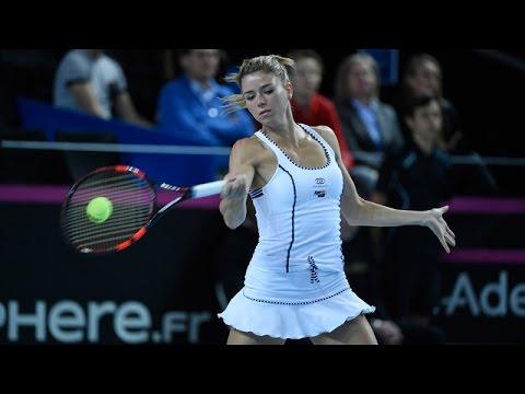 Highlights: Kristina Mladenovic (FRA) v Camila Giorgi (ITA)