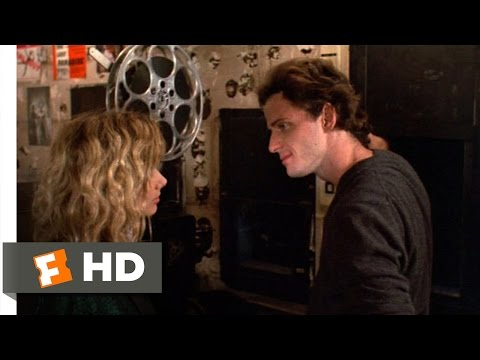 Desperately Seeking Susan (12/12) Movie CLIP - Roberta Isn't Susan (1985) HD