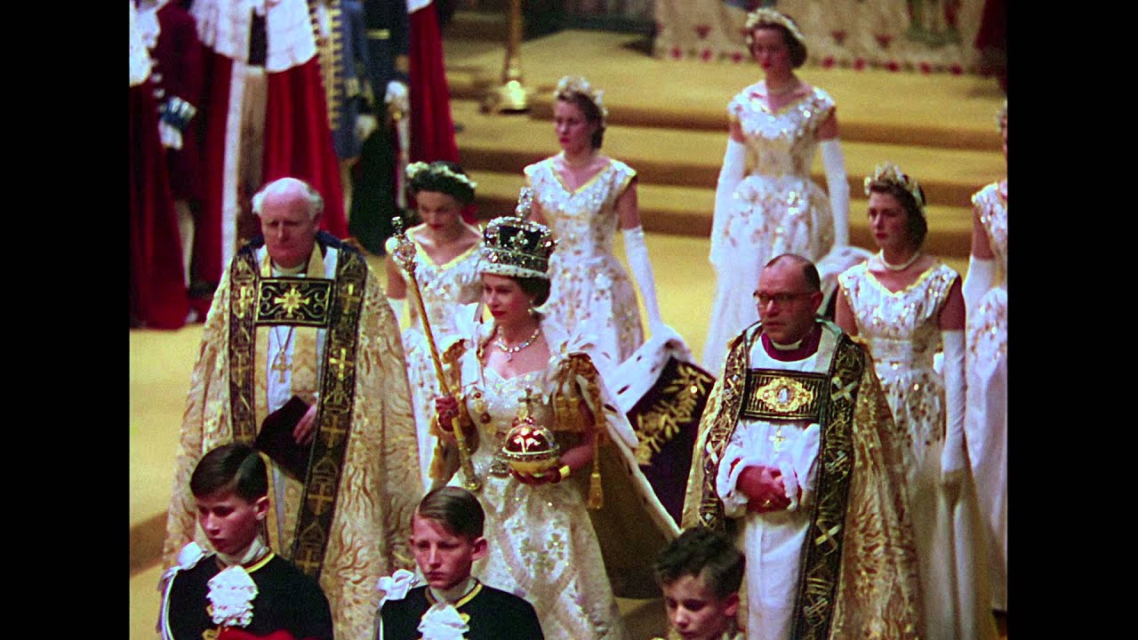 Bande-Annonce : Le Couronnement d'Elisabeth II par Stéphane Bern en DVD - YouTube