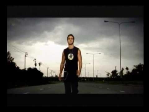 Luis Fonsi - Abrazar la vida [Music Video]