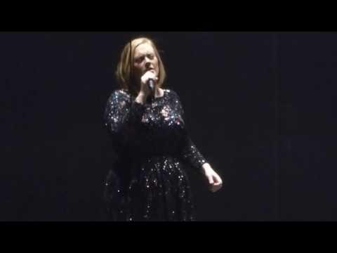 Adele - Chasing Pavements LIVE Austin Tx. 11/4/16