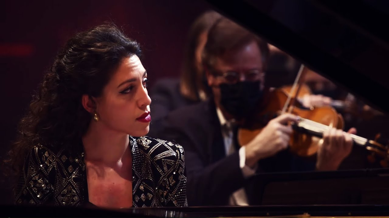Beatrice Rana plays Tchaikovsky: Piano Concerto No. 1, Op. 23: II. Andantino semplice