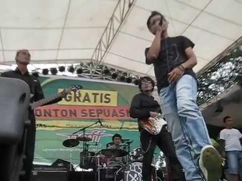 Andego - Ketika Semua Harus Berakhir (Live in Lapang Merdeka Sukabumi)