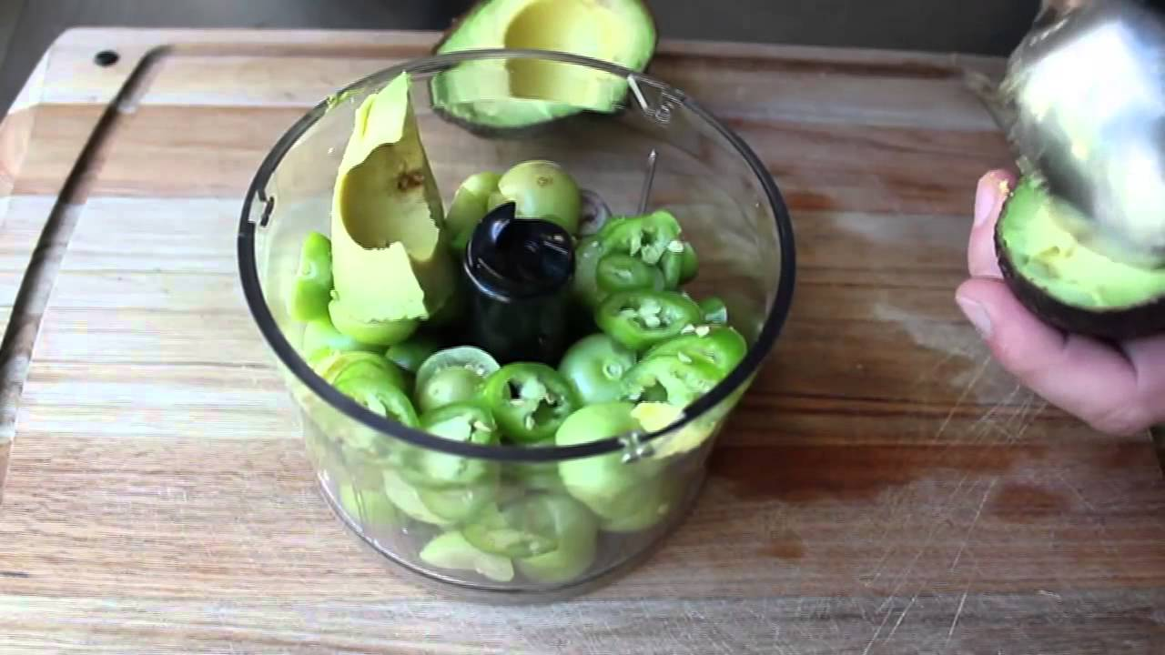 recipe: avocado tomatillo salsa verde [13]