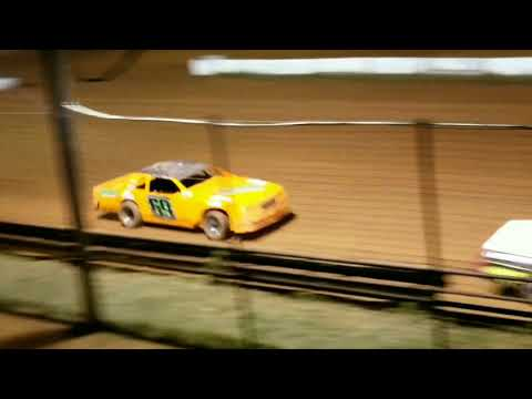 Racing video clips from the past and present at this little gem of a dirt track in Murfreesboro, Arkansas! - dirt track racing video image
