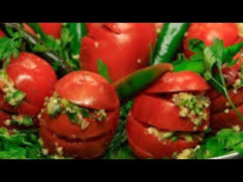 احلي طماطم مخلله مع احلي اكله فول بقوطة.